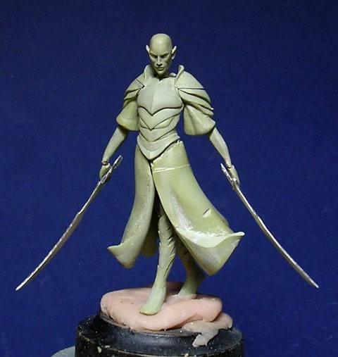 Figura de un Elfo modelado con masillas Milliput y Duro - Paso 5
