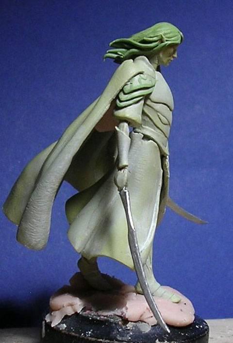 Figura de un Elfo modelado con masillas Milliput y Duro - Paso 7